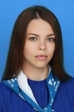 Менеджер Ксения Ложникова