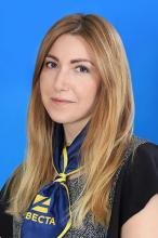 Менеджер Юлия Новикова