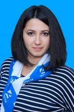 Менеджер Елена Жданова